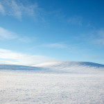 Böljande vinterlandskap utanför Klågerup